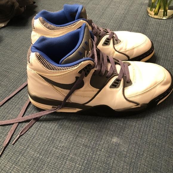 Nike Air Flight 89's